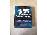 Essentials of Strength training and conditioning - Thomas R Baechle, Roger W Earle