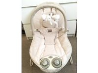 Mammas and papas vibrating baby bouncer in very good condition