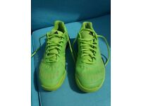 Adidas Barricade Tennis Trainers Size 9.5