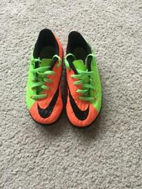Boys size 11 Nike hypervenom football boots