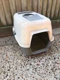 Cat outdoor litter house
