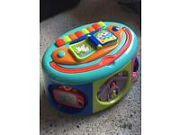 Baby musical activity tot