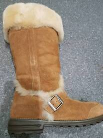 Brand New Shepard boots cosy winter uggs