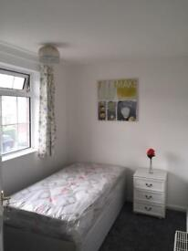 Single bed room for rent