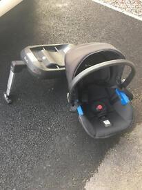 Silvercross car seat and issofix base