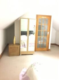Large Double Bedroom, Close to central line, Gants Hill Ilford, ALL BILLS INCLUDED