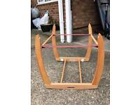 Moses basket/carrycot stand