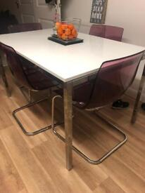 White gloss table and chairs