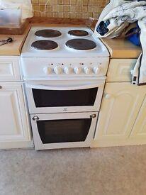 'Indesit' cooker