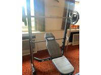 Weight bench and set of weight disks