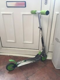 kids scooter 2 available Green colur £5 , Blue colur £7