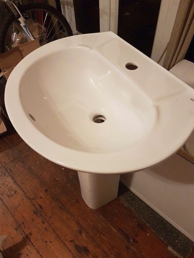 Bathroom Suites Manchester Bathroom Suite Plus Tiles Bargain Buy In Droylsden Manchester