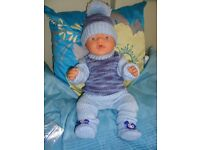 NW NICE GIFTHAND KNIT CLOTHES TO FIT BABY BORN 16 INCH DOLLS