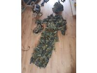 Woodland ghillie suit and carry bag
