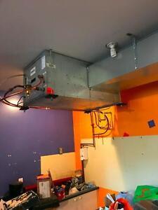 Climatiseur refroidi par eau, 2.5 tonnes unité de plafond / Air Conditionner 2.5 ton Water - Cooled, Ceiling Unit