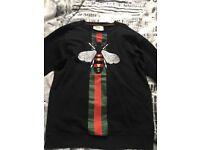 Gucci jumper with bee print. Black size medium
