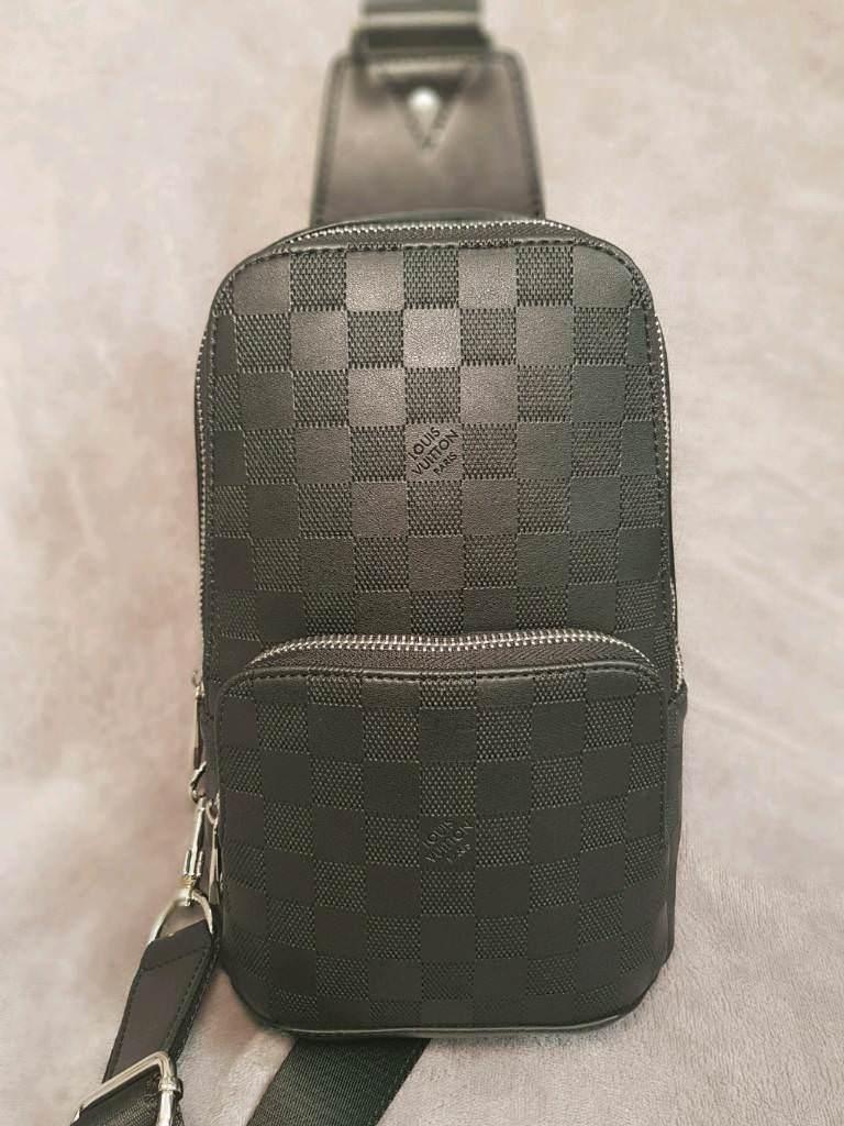 332d1734e620 Louis Vuitton Avenue Sling Bag. Bradford ...