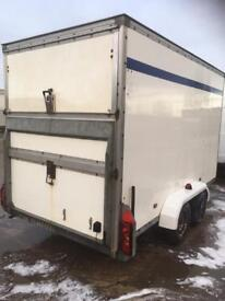 Box trailer with ramp