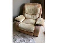 3 piece suite inc 2 x recliners