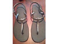 Genuine havaianas sandles for sale