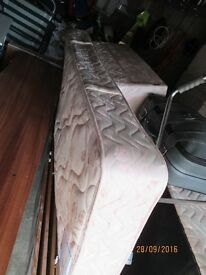 4 ft Divan Bed with storage draws and Headboard £20