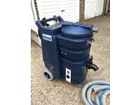 Ashbys carpet cleaning machine, 3 kw heater, twin vac , good condition, 6 month warranty