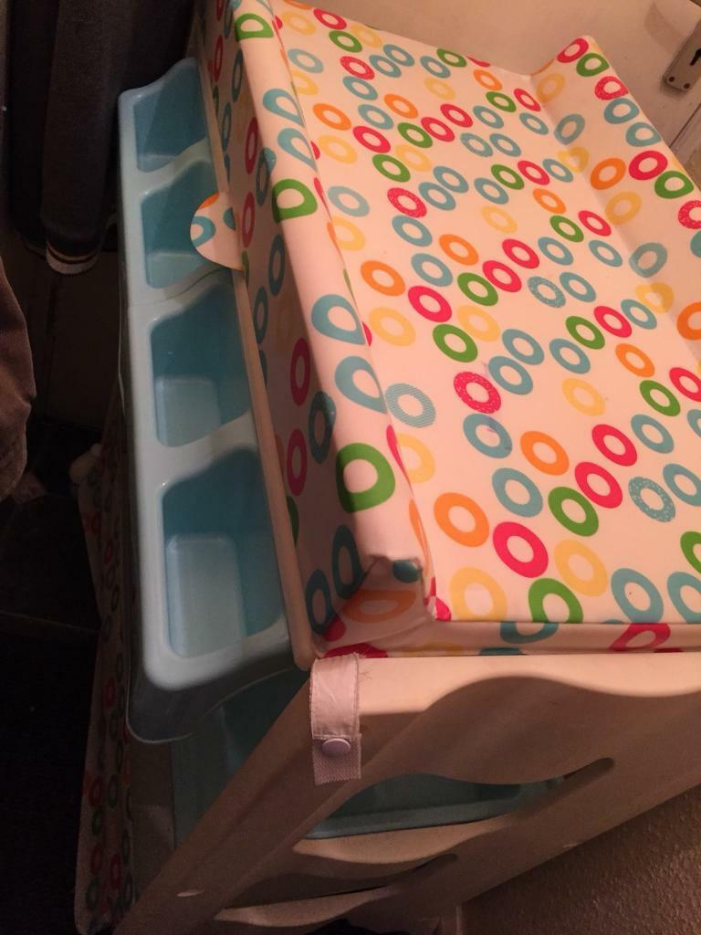 Babylo smart baby bath changing unit
