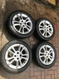 "16"" Vauxhall Alloy Wheels with Good tyres"