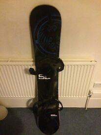 Never Summer 153cm SL Snowboard with 2016 Switchback Bindings L with Dakine Bag