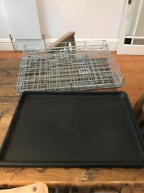 Small dog crate- nearly new