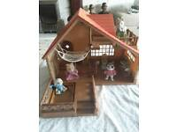 Sylvanian Families log cabin cottage including many items