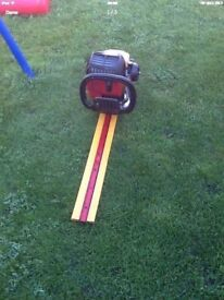 Homelite Mightylite Petrol Hedge Cutter works great 2009 model cb5 £55