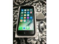 IPhone 6 16gb Unlocked Space grey with cover