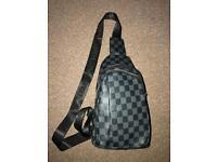 Men's Louis Vuitton side bag/pouch