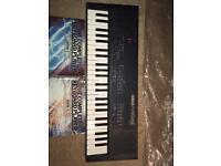 Yamaha PortaSound PSS-450 Keyboard