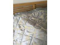 Bedeck king size quilted bedspread