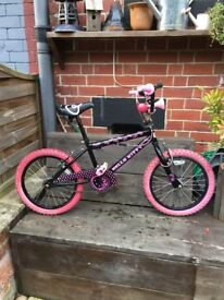 Girls hello kitty bmx bike suitable for ages 6-10 approx.