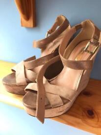 Ladies Dusky Pink Dorothy Perkins Wedges Sandals size 6