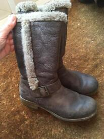 Clark's Girls Leather Boots Size 2 and a half F