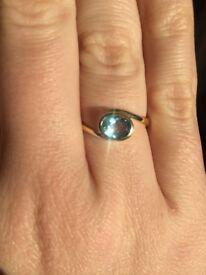 MARCH BIRTHSTONE! 9ct Gold Aquamarine Swirl Ring