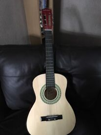 Child's guitar 1/2 size great condition