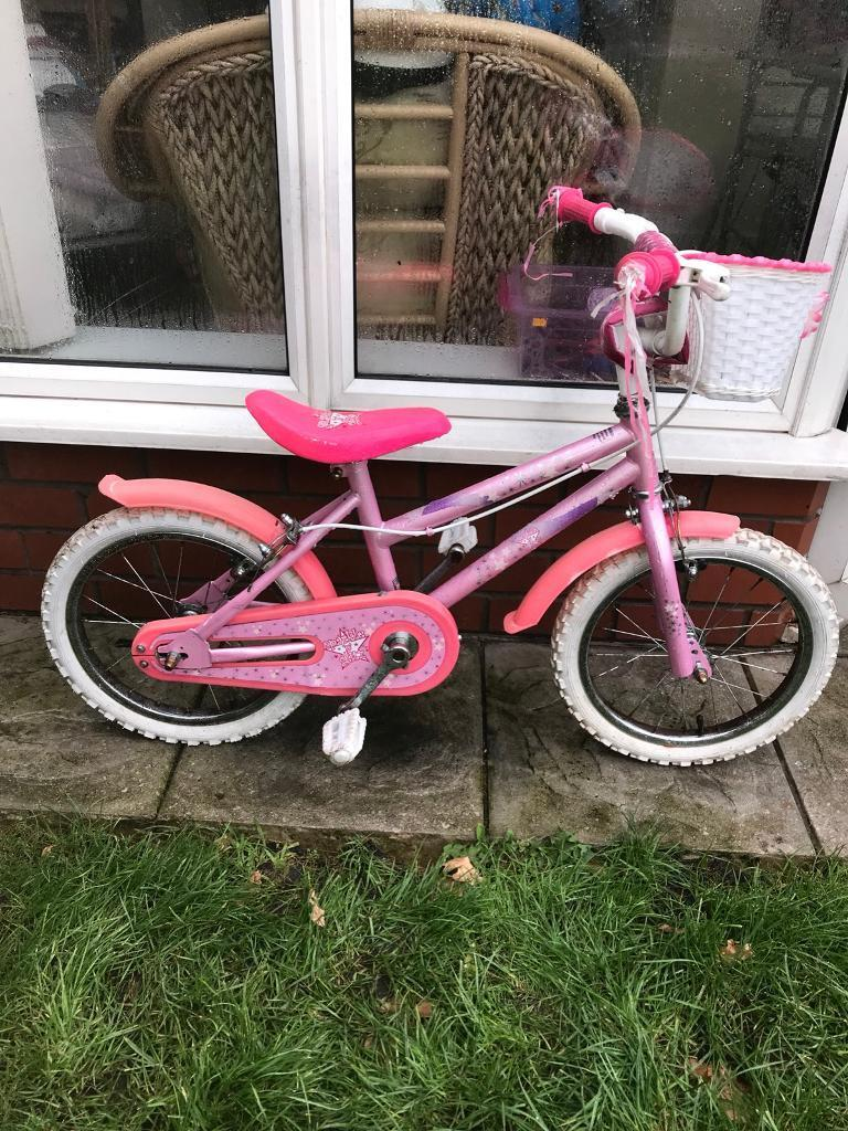 "SPARKLE N GLITZ GIRLS 16"" BIKE, good condition, new stabilisers available £5 if needed"