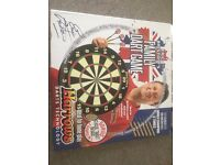 Brand New Dart Board with 2 sets Darts