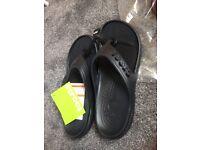 Unisex Crocs adult flip flops/sandals
