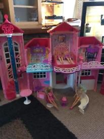 SINDY/BARBIE DOLLS HOUSE (REDUCED!!!!)