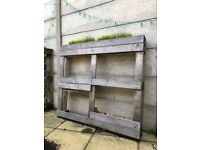 PALLET PLANTER WITH 3 PLANTING SECTIONS - GREAT CONDITION