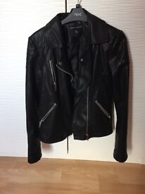 Women's leather jacket - Size UK12 - Excellent condition