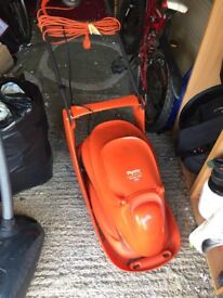 Flymo Hover Vac 280 Electric Hover Collect Lawn Mower, 1300 W for sale, great condition