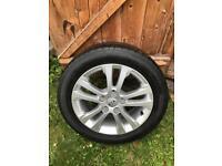 Kia C'eed alloy wheel with tyre