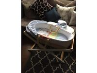 Moses basket, Airflow mattress, 3 x fitted sheets, 2 x flat sheets and a coordinating Coverlet